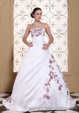 Red Embroidery On Satin A-line Modest Wedding Dress For 2013