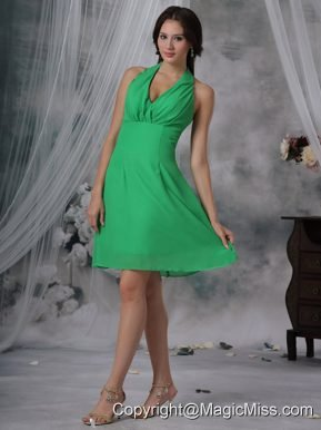 Spring Green Column / Sheath Halter Knee-length Chiffon Bridesmaid Dress