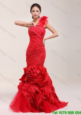 2016 Spring Perfect Ruching and Ruffles Brush Train Wedding Dress in Red
