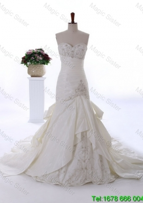 2016 Spring Perfect Made Embroidery Wedding Dresses with Court Train