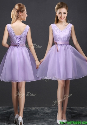 2017 Classical V Neck Lavender Short Prom Dress with Belt and Lace