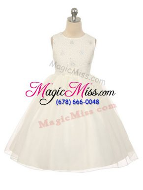 Amazing Sleeveless Tulle Knee Length Lace Up Girls Pageant Dresses in White with Beading