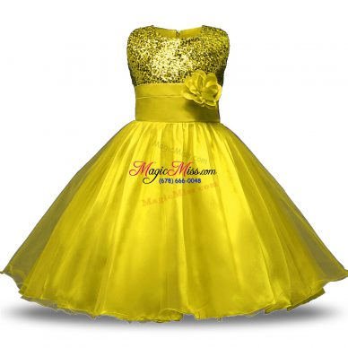 Vintage Sleeveless Organza and Sequined Knee Length Zipper Flower Girl Dresses in Yellow with Bowknot and Belt and Hand Made Flower