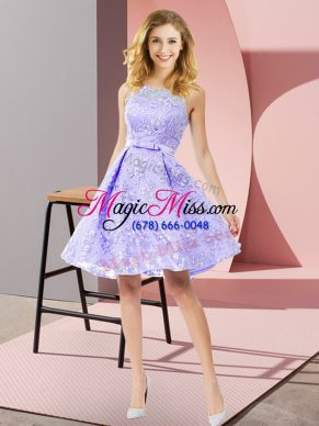 Scoop Sleeveless Bridesmaid Dresses Knee Length Bowknot Lavender Lace