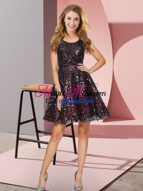 Black Sequined Zipper Scoop Sleeveless Mini Length Quinceanera Court Dresses Sequins