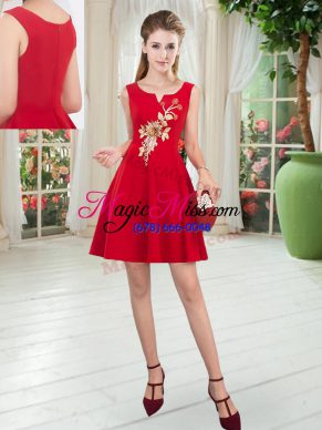 Fitting Red Scoop Zipper Appliques Homecoming Dress Sleeveless