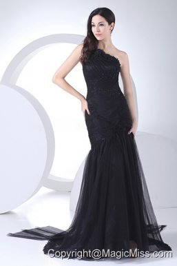 Appliques and Ruching Decorate Bodice One Shoulder Black Tulle and Taffeta Prom Dress For 2013 Brush Train