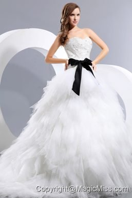 Beautiful A-line Sweetheart Chapel Train Taffeta and Tulle Appliques and Bow Wedding Dress