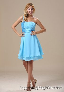 Missouri One Shoulder Light Blue Chiffon Ruched Decorate Bust Knee-length 2013 Prom / Homecoming Dress