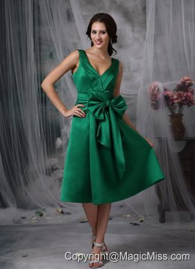 Green Column V-neck Tea-length Taffeta Bow Prom Dress