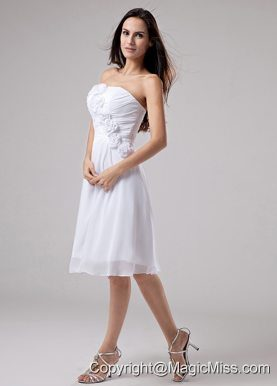 Hand Made Flowers Chiffon A-Line Strapless Knee-length Prom Dress White