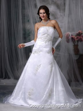 Beautiful A-line Strapless Court Train Organza Appliques Wedding Dress