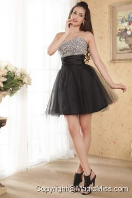 Black A-line Sweetheart Mini-length Tulle Beading Prom / Homecoming Dress