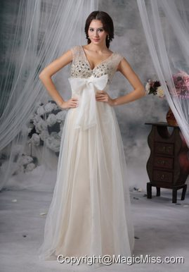 White Empire V-neck Floor-length Organza Beading Prom Dress