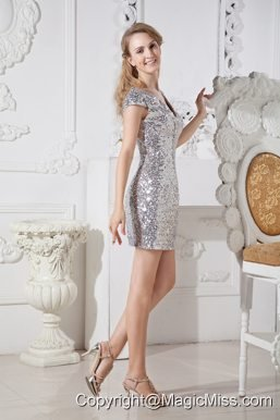 Sliver Column V-neck Mini-length Sequin Prom / Homecoming Dress