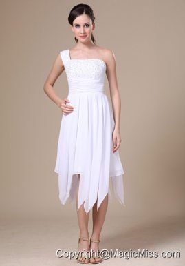 Yakutat One Shoulder White Prom Dress With Asymmetrical Appliqueas Decorate