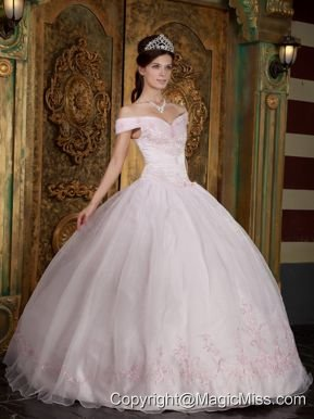 Light Pink Ball Gown Off The Shoulder Floor-length Appliques Organza Quinceanera Dress