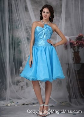 Aqua Blue A-line / Pricess Sweetheart Knee-length Organza Pleat and Bow Prom / Homecoming Dress