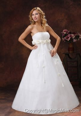 Hand Made Flowers Decorate Bust Floor-length Strapless Tulle and Satin A-line 2013 Wedding Dress