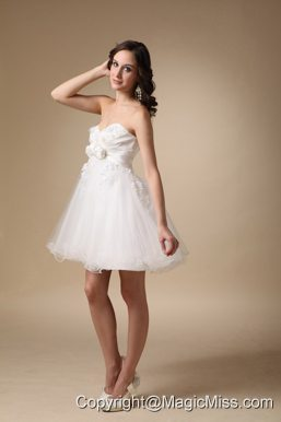 White A-line Sweetheart Mini-length Taffeta and Organza Hand Made Flowers Prom Dress