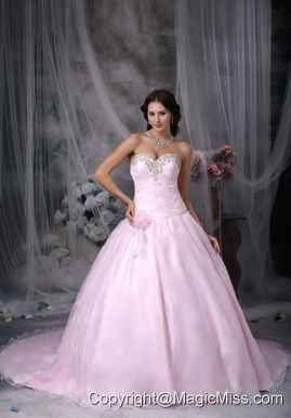 Fashionbale A-line Sweetheart Chapel Train Taffeta and Organza Appliques Hand Made Flowers Wedding Dress