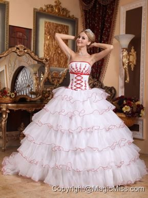 White Ball Gown Strapless Detachable Train Organza Appliques Quinceanera Dress