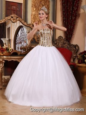 White Ball Gown Strapless Floor-length Tulle Squins Quinceanera Dress