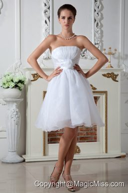 Pretty A-line Strapless Knee-length Organza Hand Made Flower and Ruch Wedding Dress