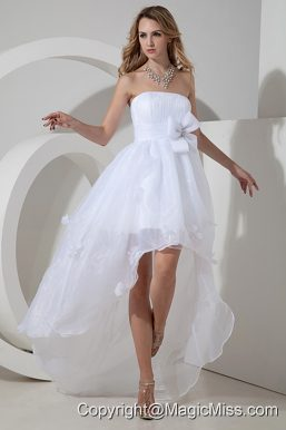 Beautiful A-line / Princess Strapless High-low Organza Bow Wedding Dress
