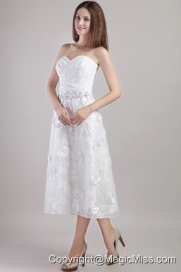 Elegant A-line / Princess Sweetheart Ankle-length White Appliques and Beading Wedding Dress