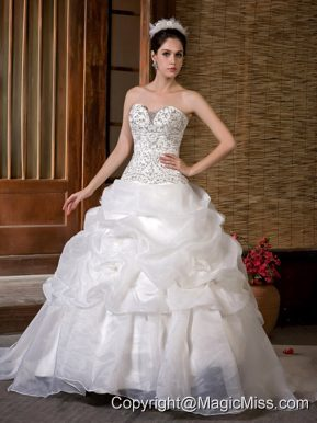 Gorgeous A-line Sweetheart Sweep Train Taffeta and Organza Beading Pick-ups Wedding Dress