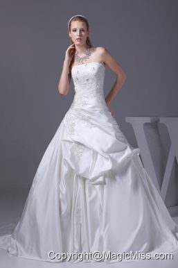 Appliques A-line Court Train Strapless Wedding Dress