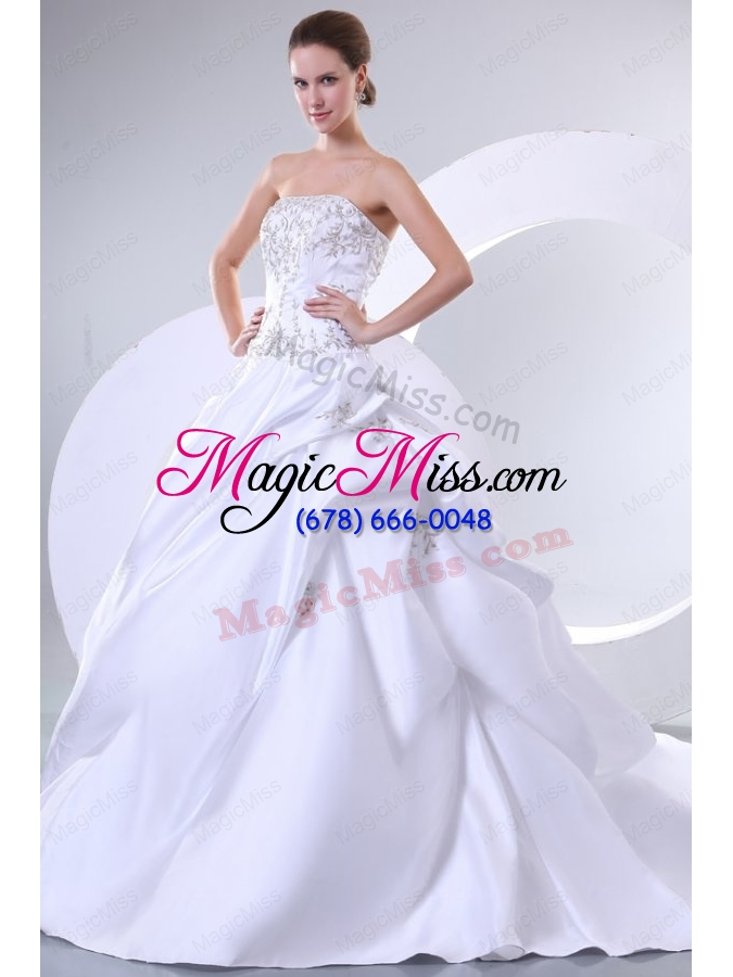 wholesale a line sweetheart embroidery lace up wedding dress with brush train